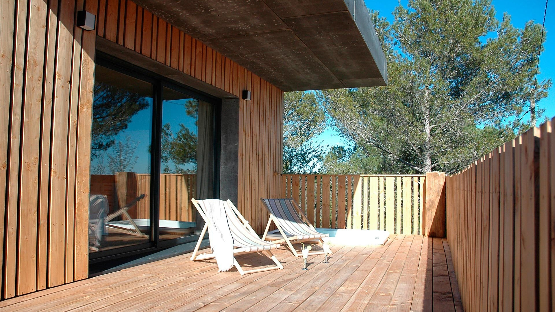 3 chambres d 39 hotes avec sauna et jacuzzi nimes dans le gard. Black Bedroom Furniture Sets. Home Design Ideas